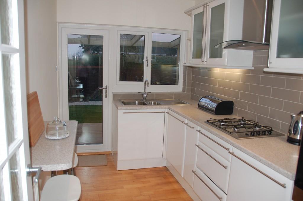 kitchen leading onto verandah at Thistleboon